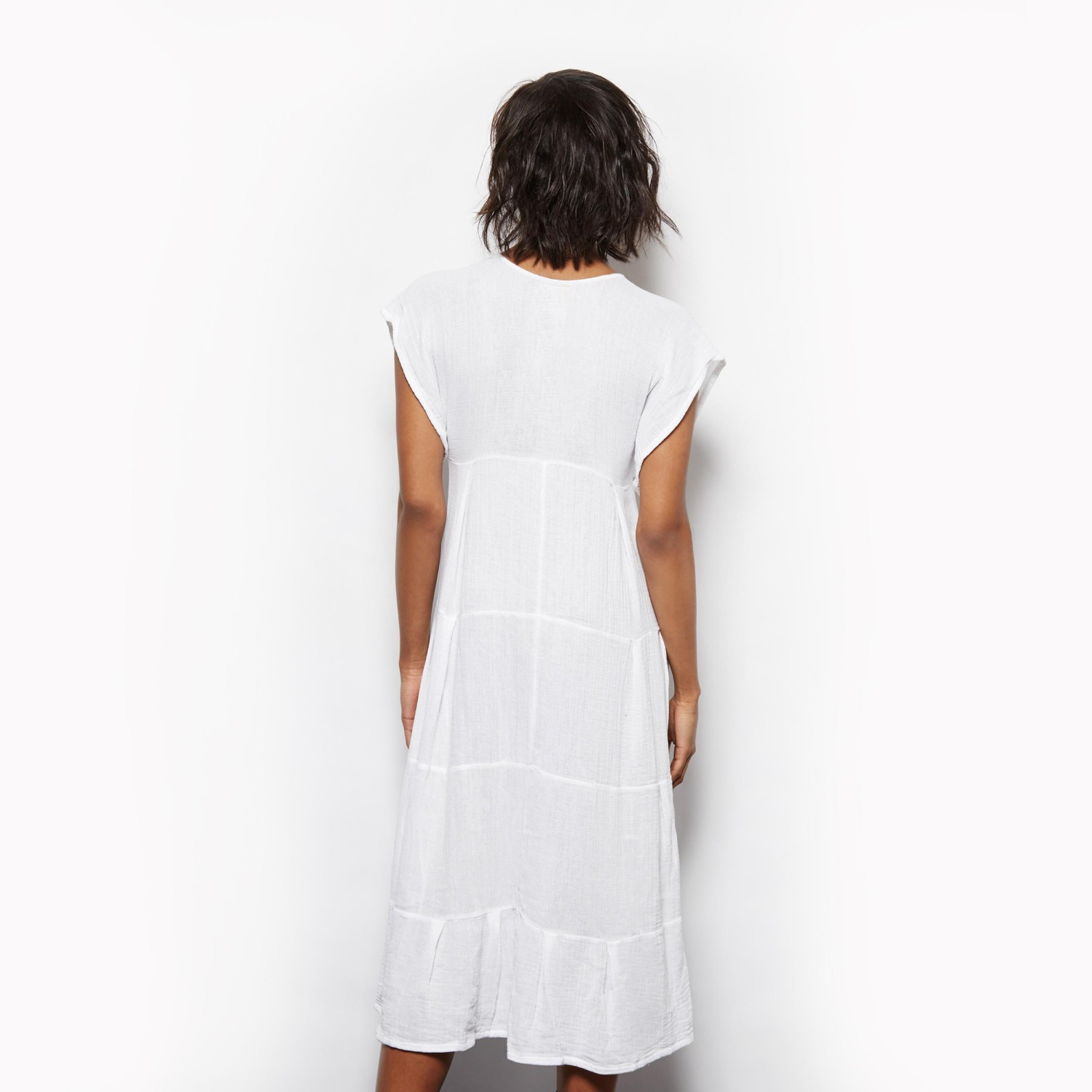 SF15H05—back—white